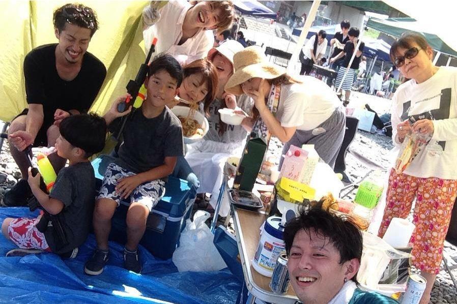 夏のBBQにはスタッフの家族も参加。店舗ごとに毎年、自由に企画