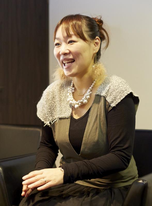 育児と仕事を両立させている取締役企画広報部長の前田さん