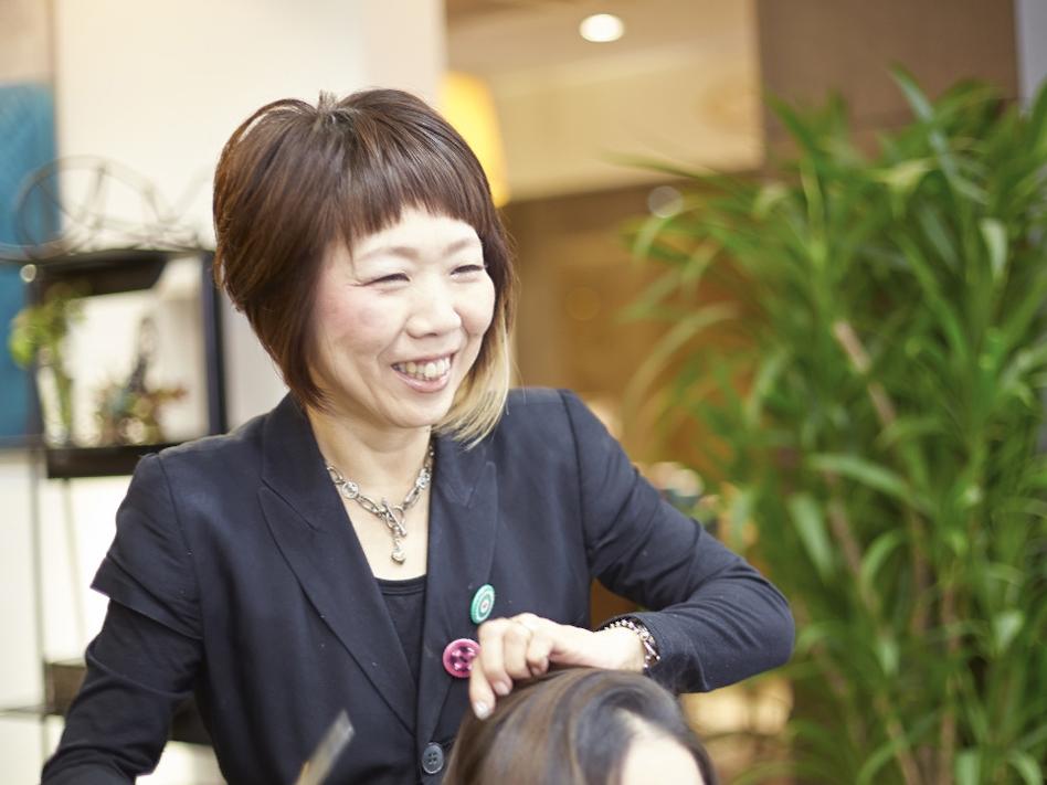 21年前、サロン初のママスタッフとなった岩井恵子さん。ママが活躍できる道を作った立役者のひとり