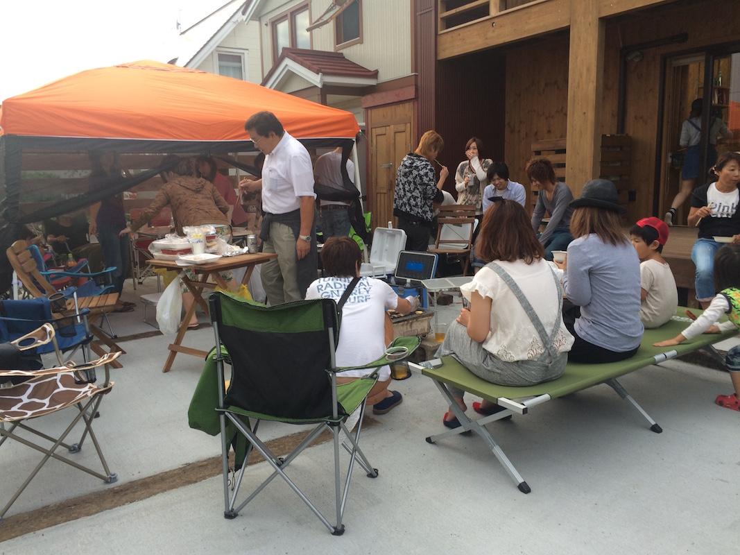 夏には毎年、姉妹店と合同でBBQを開催。家族や友達も招いて顔を合わせ、スタッフ同士の交流を深めている