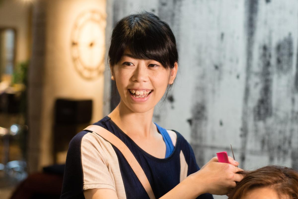 古藤さんが独立してから、初めての妊娠・出産したママスタッフの三井さん。彼女の存在が、女性スタッフが働きやすい環境を整え始めるきっかけに