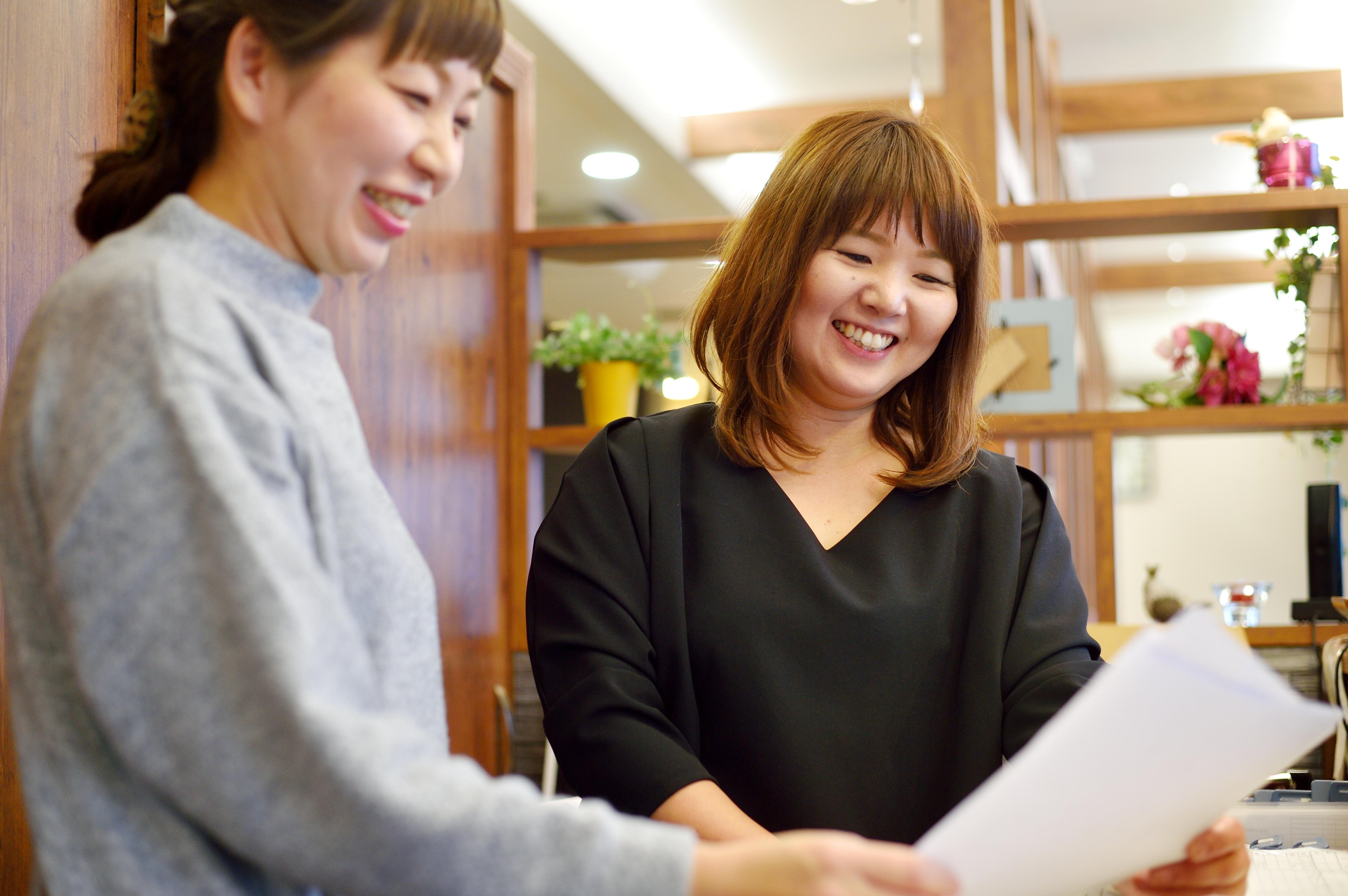 高橋さんも、平間さんを手本にして出産後に働き続ける道を選んだママスタッフのひとり