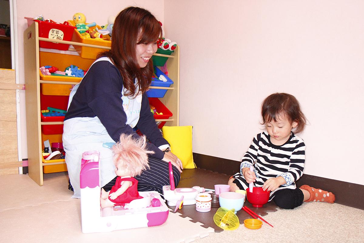 サロン内のキッズスペース。スタッフやお客さまの子どもが一緒に遊んでいることもある
