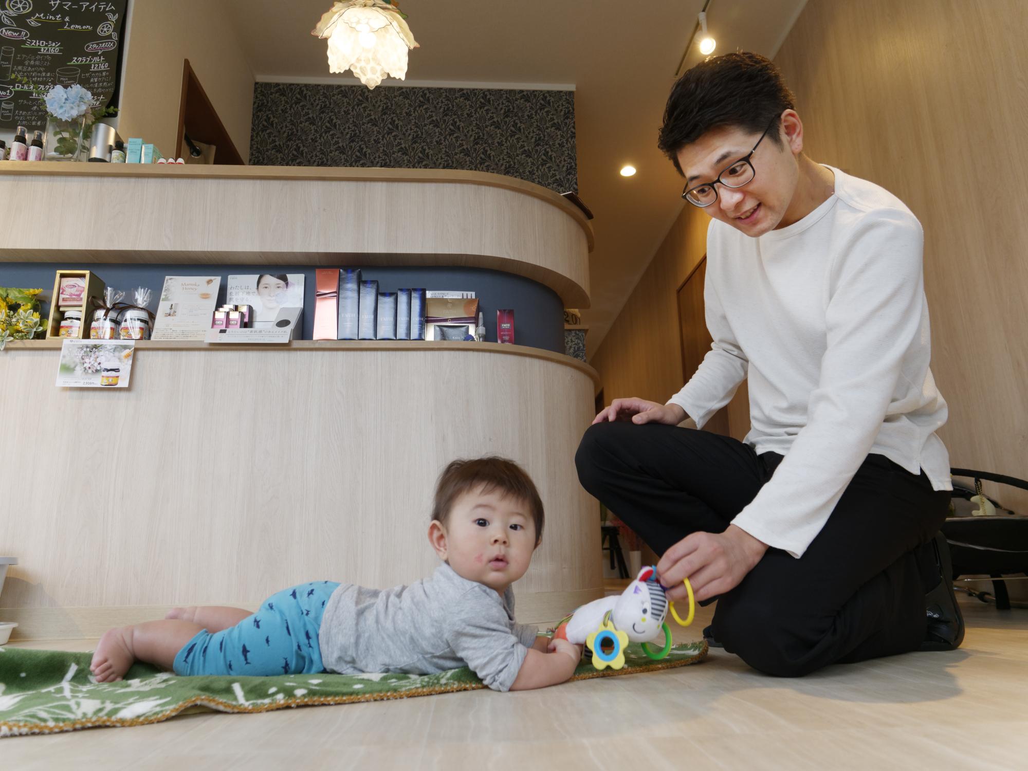 酒井さんの長男、蒼大(あおと)くんは現在7カ月(取材時)。来月から保育園通いがスタートする