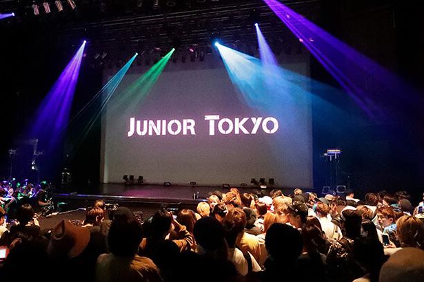 アシスタントたちによるヘアショー「JUNIOR TOKYO」